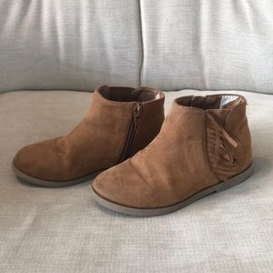 Girls tan booties with fringe